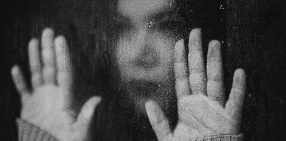 Mujeres, las que más se suicidan en la pandemia